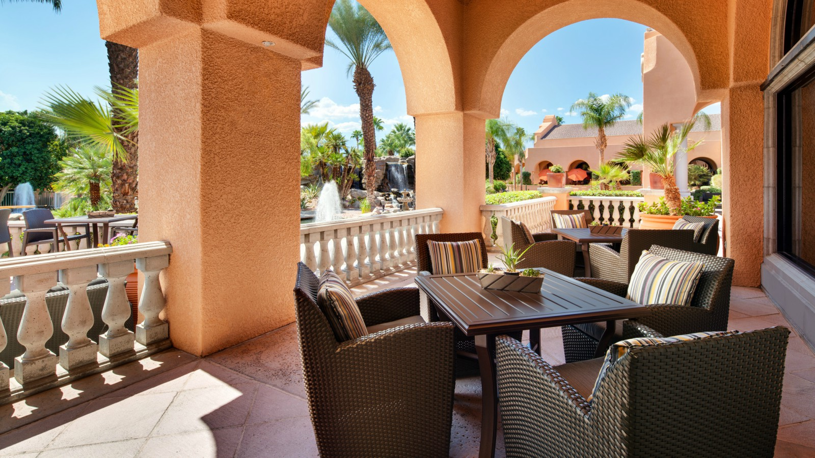 Fireside Lounge - The Westin Mission Hills Golf Resort & Spa